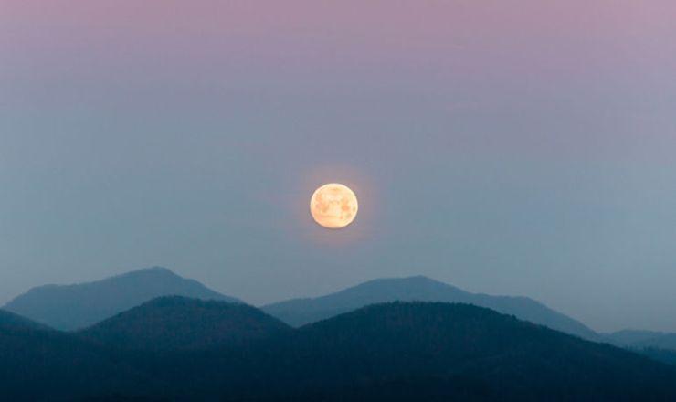 9-ways-channel-healing-power-scorpio-moon